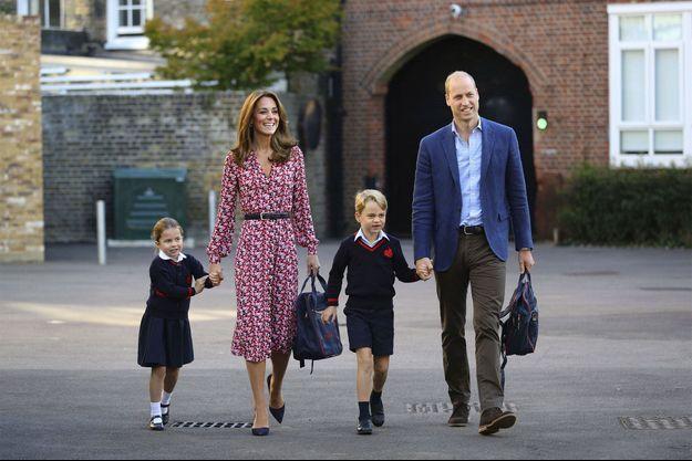 En septembre 2019, William et Kate accompagnent Charlotte et George pour la rentrée scolaire.
