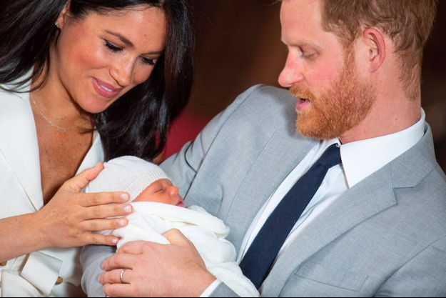 Meghan Markle, le prince Harry et le petit Archie Harrison Mountbatten-Windsor au château de Windsor, mercredi.