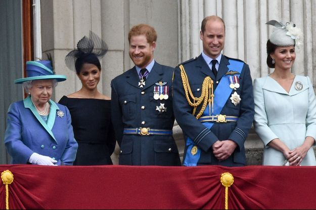 La reine Elizabeth II, Meghan Markle, le prince Harry, le prince William et Kate Middleton en juillet 2018