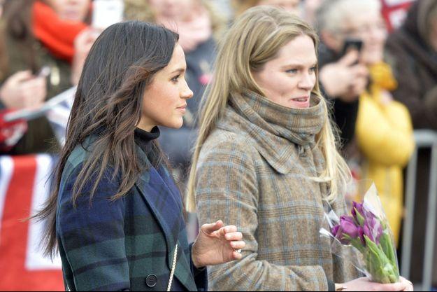 Meghan Markle et Amy Pickerill lors d'une visite au château d'Edinburgh, le 19 février 2018