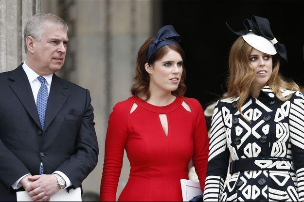 Le prince Andrew, la princesse Eugenie d'York, la princesse Beatrice d'York sortant de la messe à la cathédrale St Paul pour le 90ème anniversaire de la reine Elisabeth II, à Londres le 10 juin 2016.