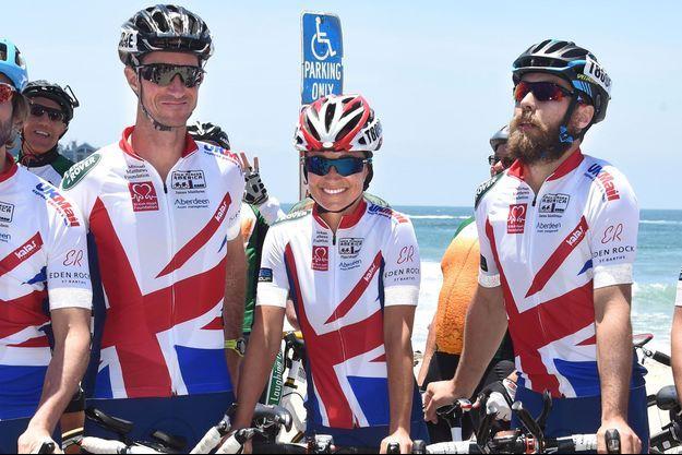 Pippa Middleton, entourée de son fiancé, James Matthews (gauche), et de son frère, James aussi (droite), déjà mobilisés pour la Michael Matthews Foundation en 2014
