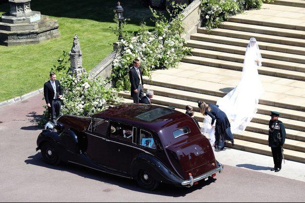 Une Rolls et une traîne de 5 mètres, les principes sont respectés.