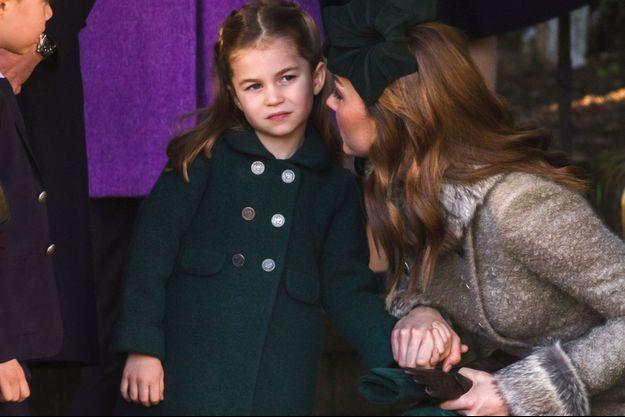 Charlotte de Cambridge et sa mère Kate Middleton en décembre 2019.