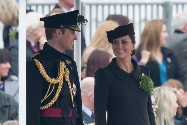 Le prince William et son épouse Kate née Middleton à Londres, le 17 mars 2015