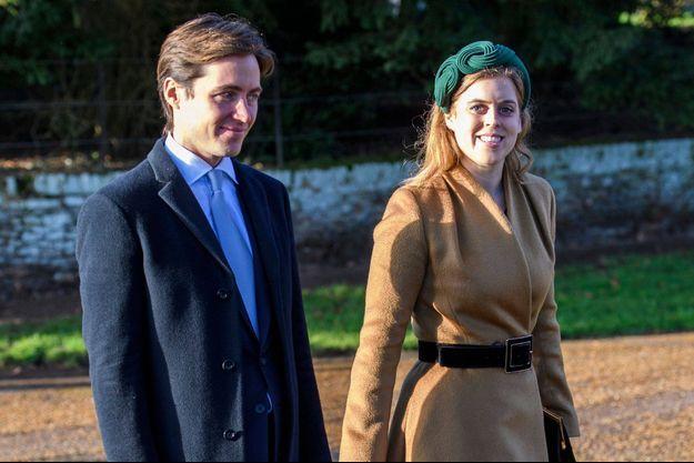 La princesse Beatrice d'York avec son fiancé Edoardo Mapelli Mozzi à Sandringham, le 25 décembre 2020