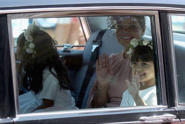 Benita Litt arrivant au mariage de Meghan Markle et du prince Harry.
