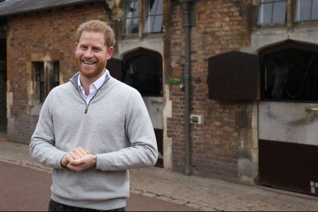 Le prince Harry réagit à la naissance de son fils devant les caméras de Sky News 6 mai 2019 au château de Windsor