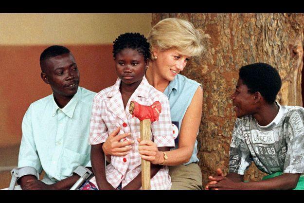 Diana et Sandra en 1997. La photo a fait le tour du monde.
