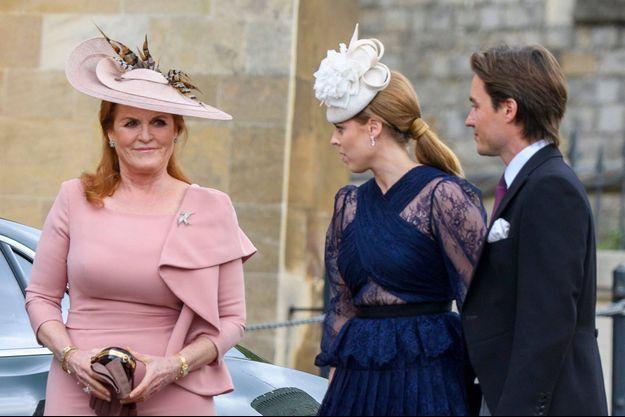 Sarah Ferguson avec sa fille aînée la princesse Beatrice d'York et son fiancé Edoardo Mapelli Mozzi, le 18 mai 2019