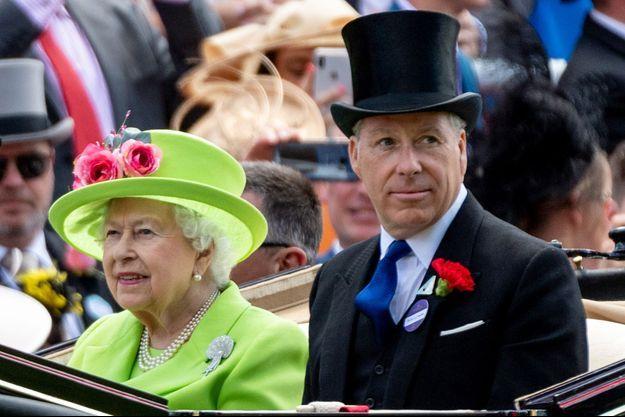 David Armstrong-Jones, 2e comte de Snowdon, avec sa tante la reine Elizabeth II à Ascot, le 22 juin 2018