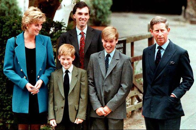 Lady Diana, les princes Harry et William et le Prince Charles en 1995.