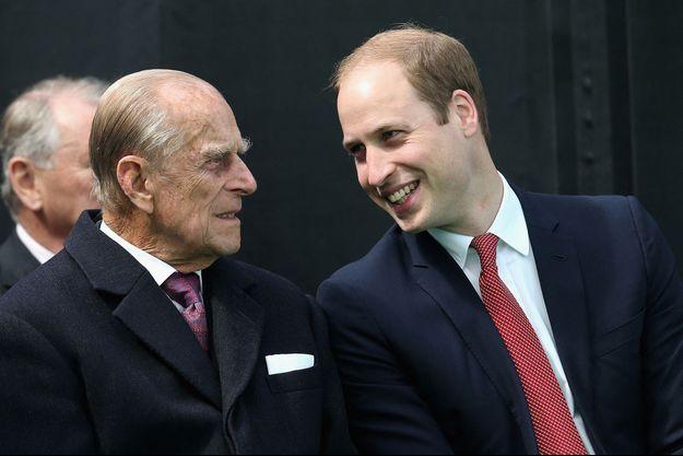 Le prince Philip et le prince William lors d'un engagement en 2015