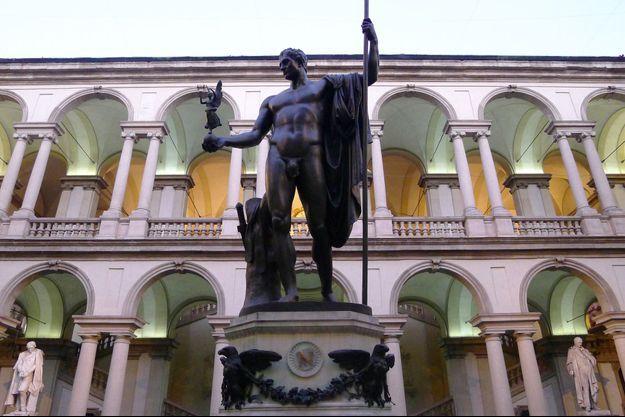 La statue de Napoléon dans la cour de la pinacothèque de Brera à Milan, en février 2013