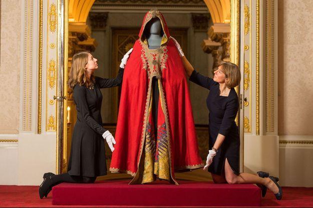 Le burnous de Napoléon Ier qui sera exposé à Buckingham Palace à Londres à l'été 2018