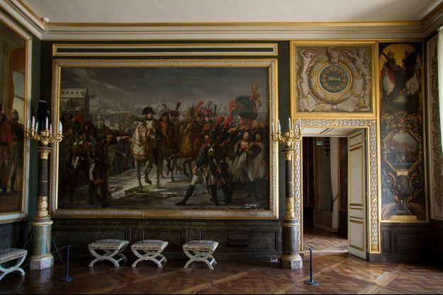 L'une des salles de l'Empire dans l'aile du Midi du château de Versailles