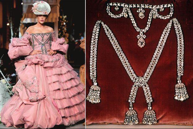 Doutzen Kroes dans la robe de John Galliano inspirée du collier de la Reine (à droite), collection Christian Dior Haute-Couture automne-hiver 2007-2008