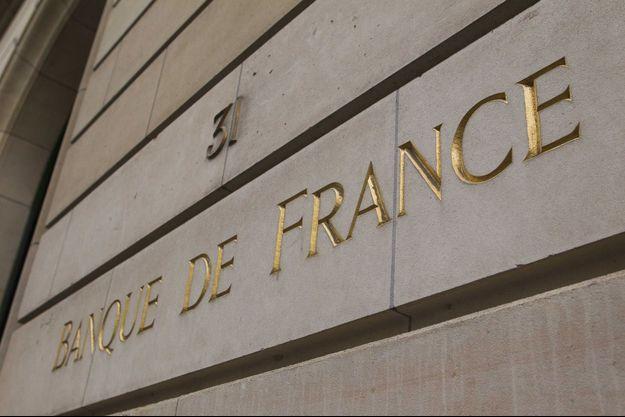 http://www.parismatch.com/Actu/Economie/Voici-le-compte-en-banque-sans-banque-548840