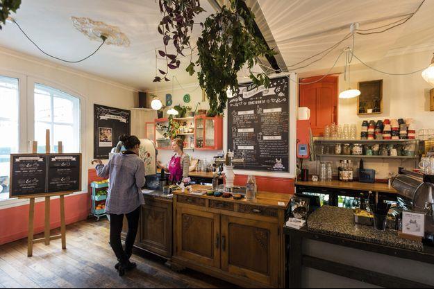 Pavillon des Canaux 39, quai de la Loire, Paris XIXe. Un coffee-shop en plein coeur du bassin de la Villette qui attire séminaires et réunions.