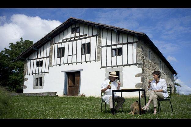Hégia, la maison d'hôtes de Véronique et Arnaud Daguin est plantée dans une nature sans artifice, propice à la tranquillité.