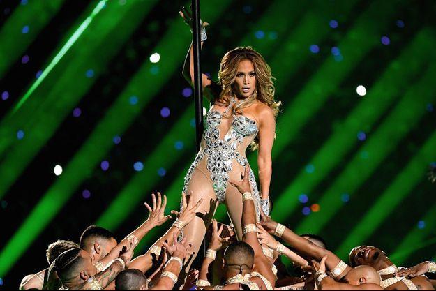 La chanteuse Jennifer Lopez a été la première à lancer la mode du « booty ».