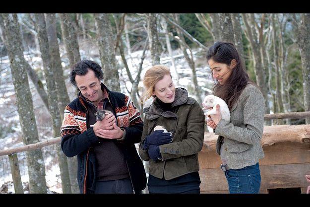 Le camp a été inauguré le 3 février par Nathalie Kosciusko-Morizet, ministre de l'Ecologie, ici entre Nicolas et Diane Vanier