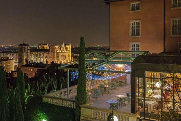 La Villa Florentine sous le ciel de Lyon.
