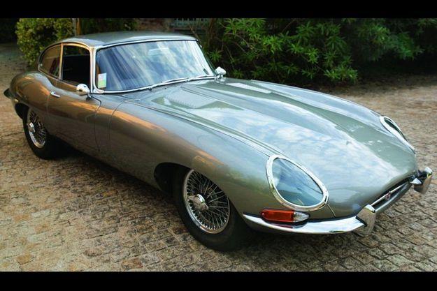 Une splendide Jaguar Type E partie pour 105 000 € sur lebolide.com