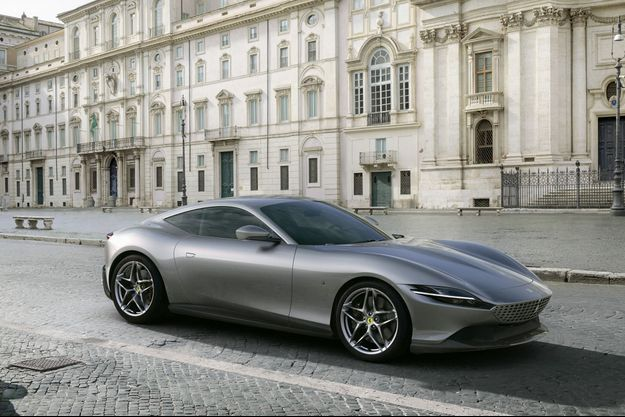 La Ferrari Roma... À Rome.