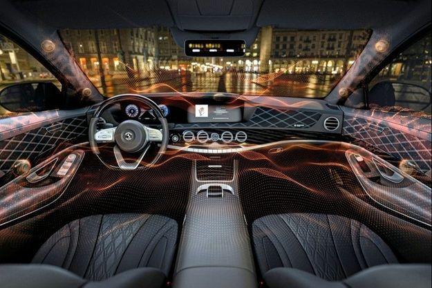 Continental Ambeo Mobility : Cette technologie offre davantage de liberté aux designers pour agencer l'intérieur du véhicule. Fini l'obligation d'intégrer d'encombrants haut-parleurs