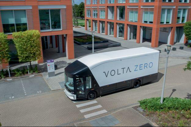 « Green » d'un bout à l'autre de son interminable carrosserie, le Volta Zero fait une large utilisation de résine biodégradable.