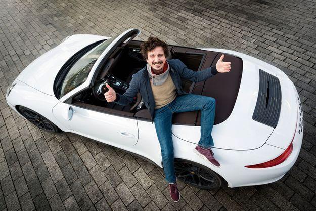 Arnaud Tsamere et la Porsche 911 Carrera 4GTS Cabriolet