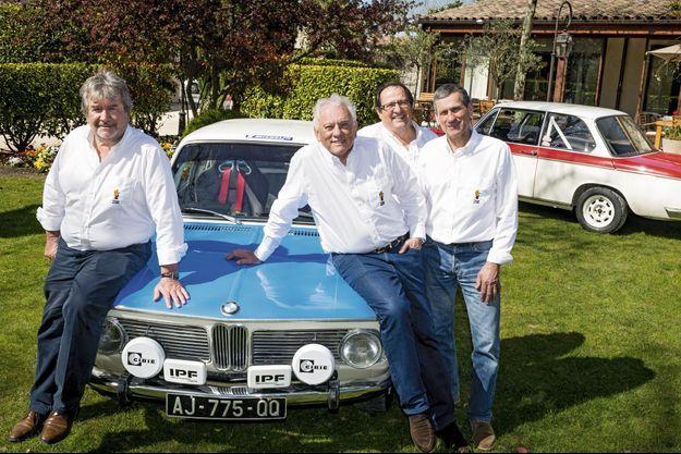 Michel Rostang entouré de son confrère Michel Chabran et de leurs deux assistants sur la course.