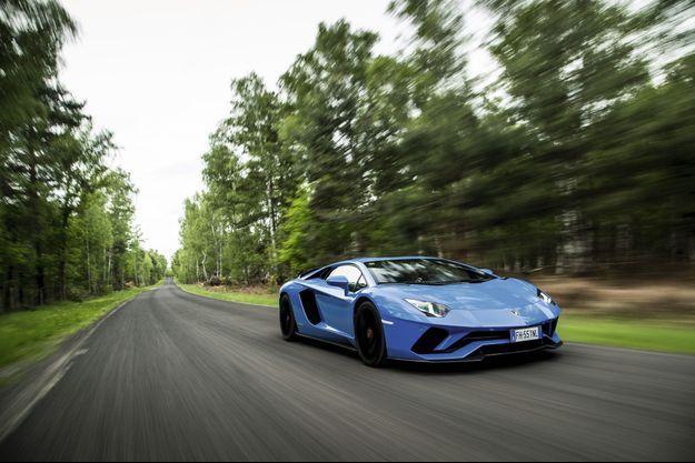 La Lamborghini Aventador S à l'essai.