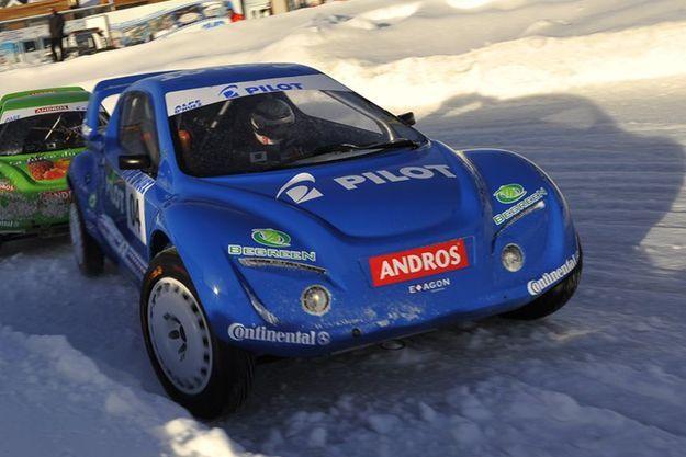 Baptême sur glace pour les Andros Car 03... Aux commandes des bolides de demain : Alain Prost et Franck Lagorce!