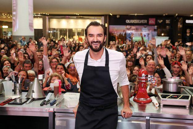 Le juré du « Meilleur pâtissier », sur M6, à la rencontre de ses fans à Saint-Laurentdu-Var, près de Nice, en novembre 2018