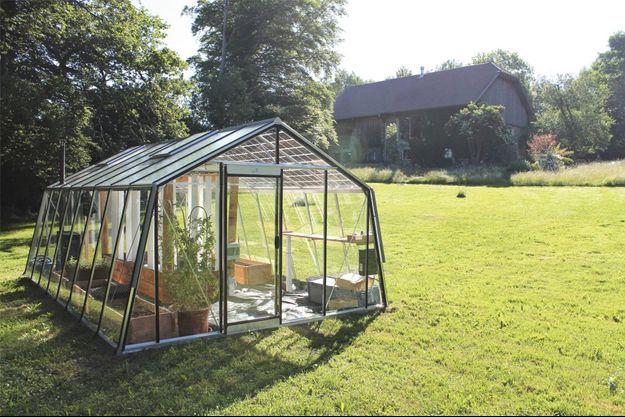 Jardin, champ, terrasse, toit, la serre connectée est aussi tout-terrain.