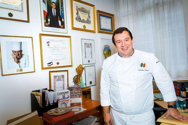 Guillaume Gomez, le chef des cuisines de l'Elysée, est à l'initiative de cette opération solidaire, avec Stéphane Méjanès.