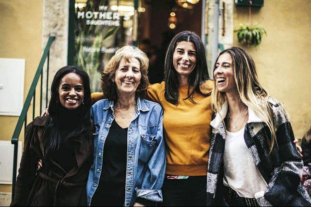 Maria José Vasconcelos et ses filles ont ouvert My Mother's Daughters.