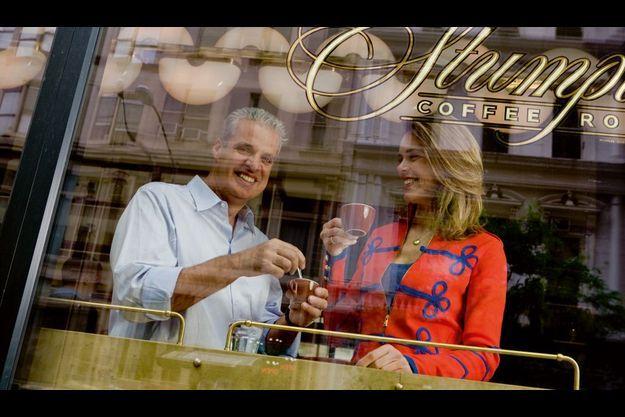 Eric Ripert et Julie Andrieu : pause café au Stumptown Coffee dans le Ace Hotel.