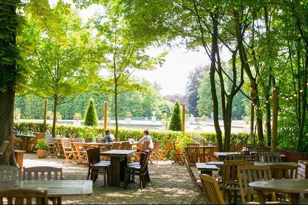 Proibito Paris organise un brunch du 14 juillet en bordure du parc National de Saint-Cloud.