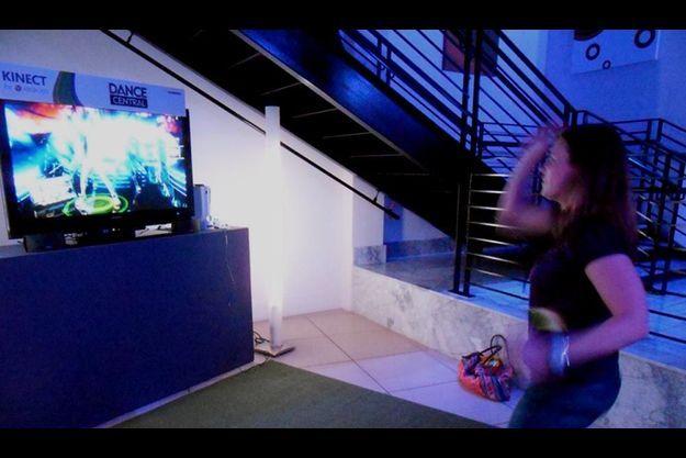 Dance Central, le jeux qui vous apprend à danser en détectant vos mouvements