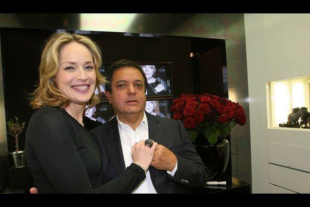 En 2011, Sharon Stone vient chercher la bague commandée à Edouard Nahum.