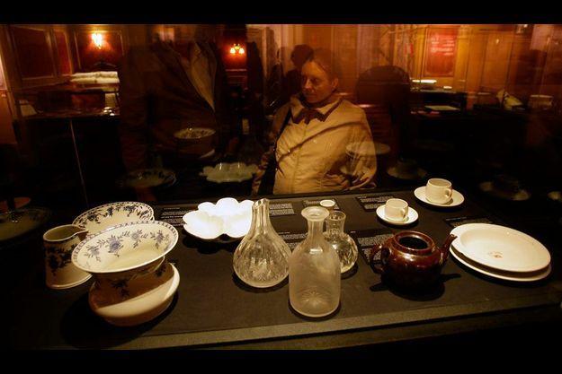 """Objets du Titanic lors de l'exposition """"Titanic: The Artifact Exhibition"""", à Madrid en 2008."""