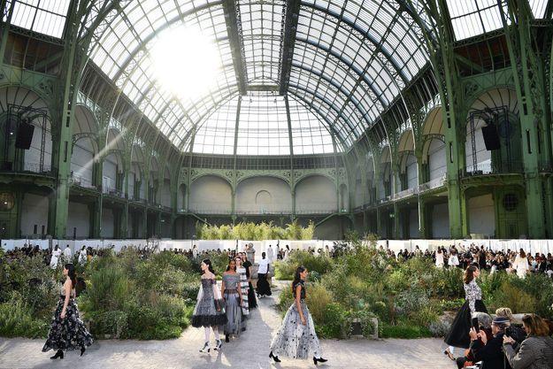 Défilé Chanel le 21 janvier 2020 à Paris. Collection Haute couture printemps-été 2020-2021.