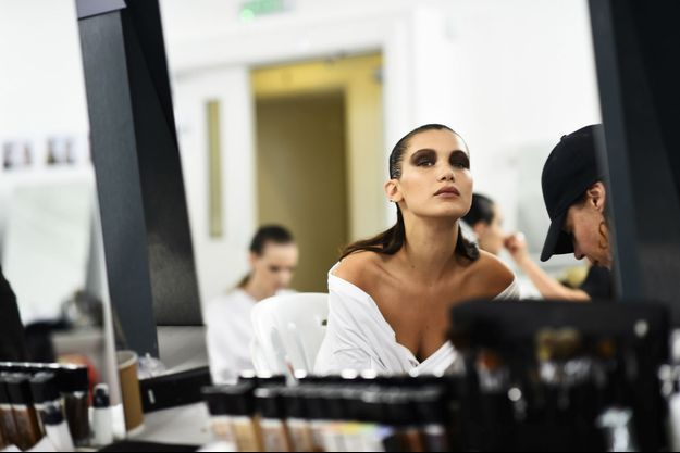 Bella Hadid a été choisie comme nouveau visage de Dior Makeup