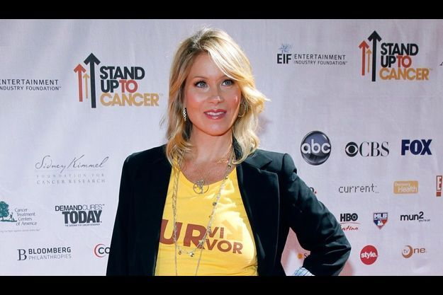 """Christina Applegate portait le collier """"Tree of life"""" au Stand Up to Cancer 2010."""