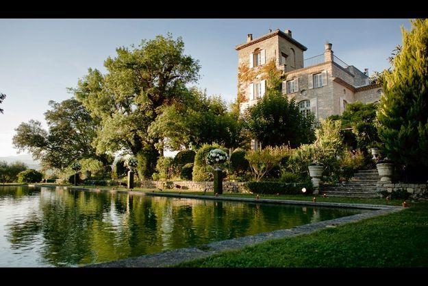 En 1951, il a acquis son petit château provençal grâce au succès de sa collection New Look.