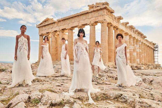 Deux collections Dior devant le Parthénon : en 2021, image de Ria Mort