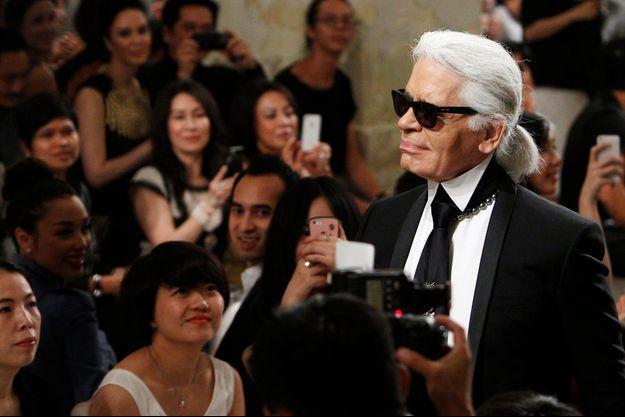 Karl Lagerfeld au défilé Chanel au Grand Palais, 4 octobre 2016.